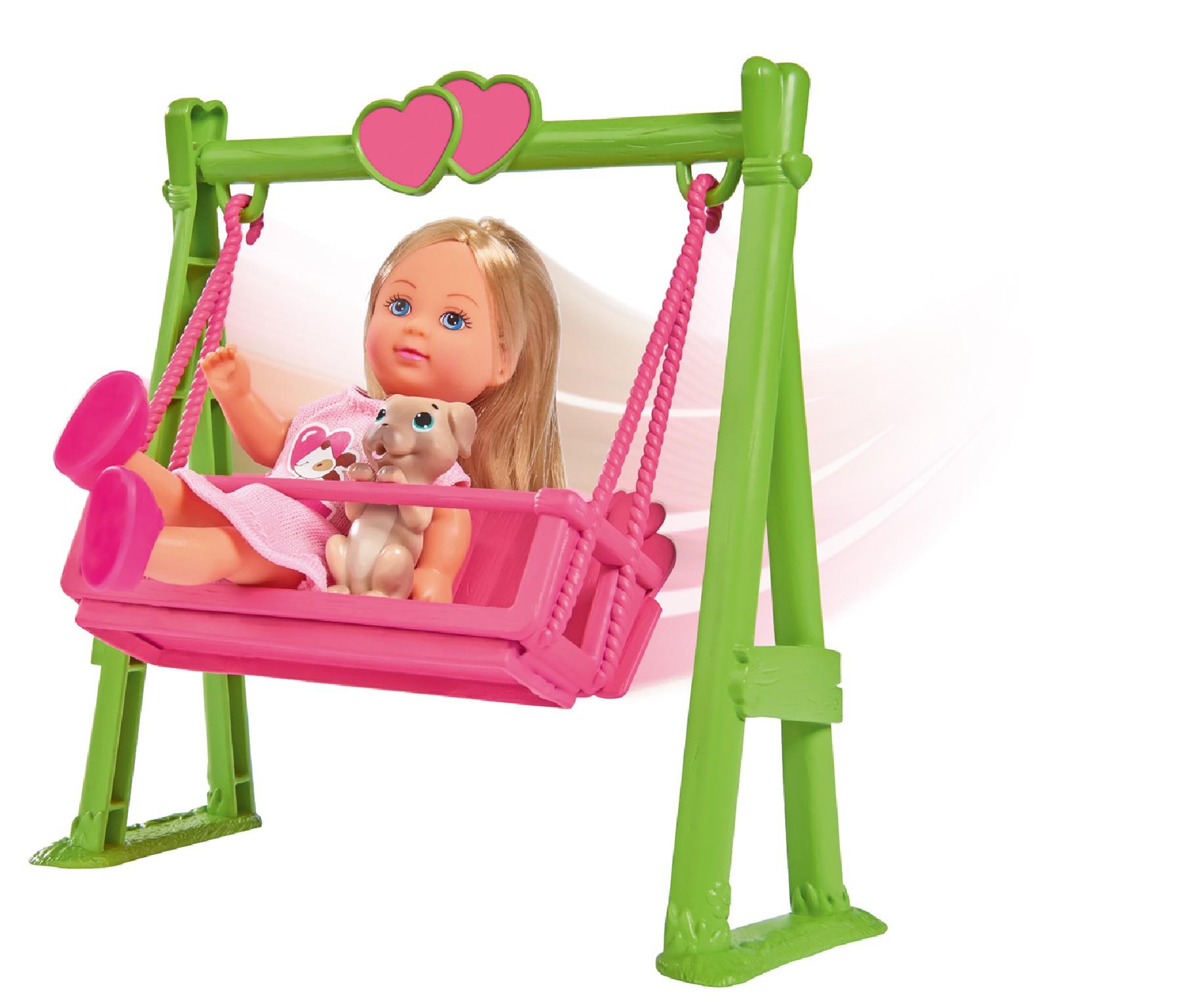 Panenka Evička s houpačkou Swing