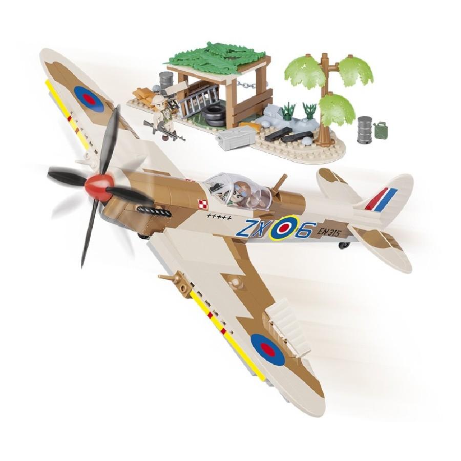 Stavebnice II WW Supermarine Spitfire Pouštní letiště, 400 k, 2 f